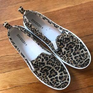 Leopard slip ones